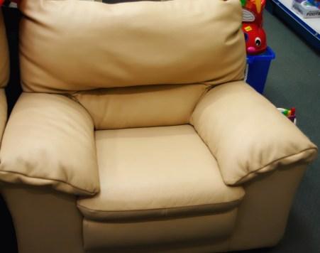 harlow_armchair