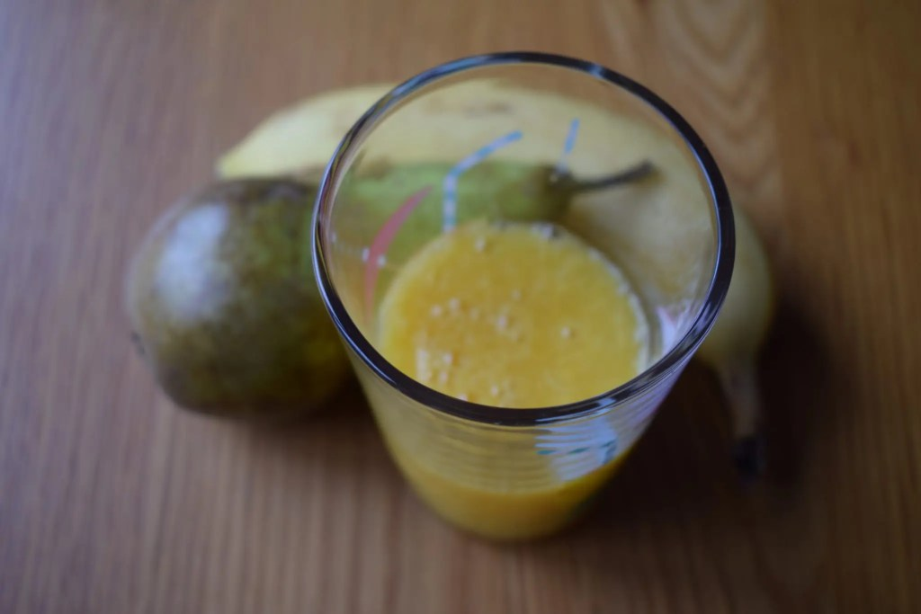 Everyday foods that contain alcohol - bananas, pears and orange juice