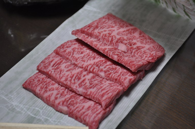 An image of sliced Matsusaka beef (Creative commons)
