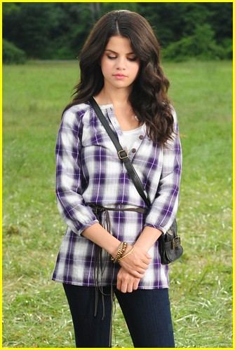Selena Dream Bags Out Gomez Hand Loud