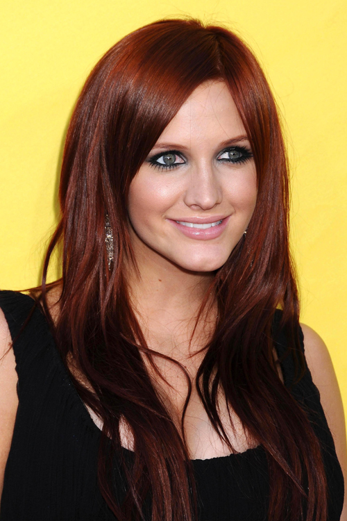 Ashlee Simpsons Hairstyles Amp Hair Colors Steal Her Style