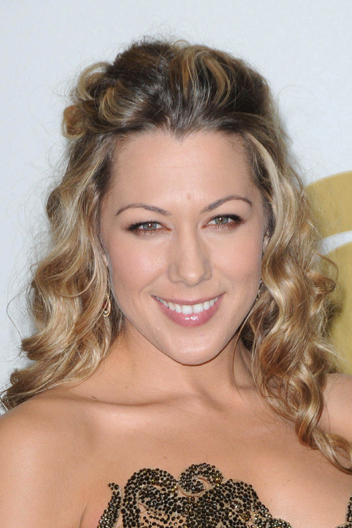 Colbie Caillats Hairstyles Amp Hair Colors Steal Her Style
