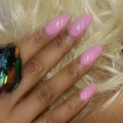 almond shaped nails of