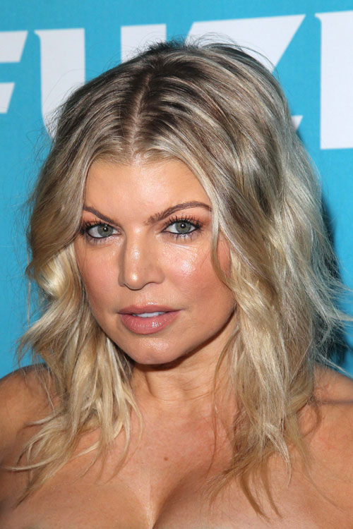 Fergie Wavy Ash Blonde Dark Roots Messy Hairstyle Steal