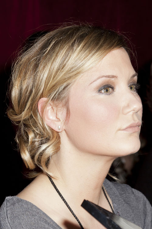 Jennifer Nettles Hairstyles  Hair Colors  Steal Her Style