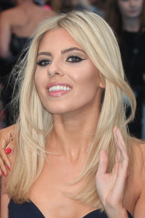 Mollie Kings Hairstyles Amp Hair Colors Steal Her Style