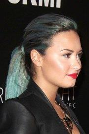 demi lovato straight green ponytail