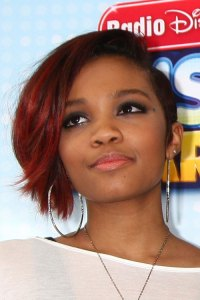 Lauryn McClain's Hairstyles & Hair Colors | Steal Her Style