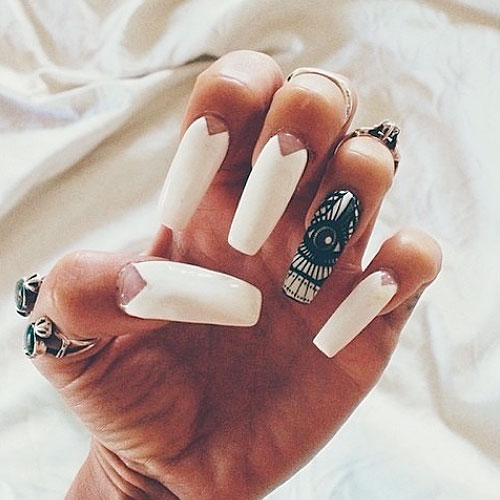 vanessa-hudgens-nails-eye