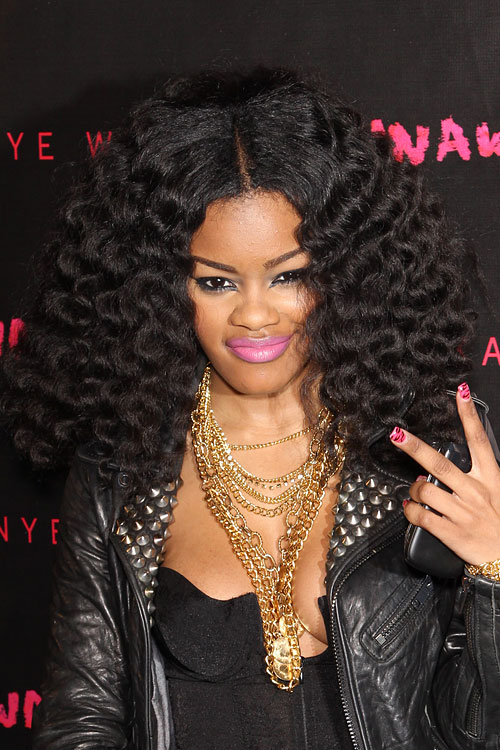 Teyana Taylors Hairstyles Amp Hair Colors Steal Her Style