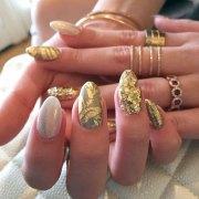bella thorne nails steal