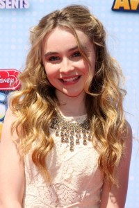 Sabrina Carpenter's Hairstyles & Hair Colors