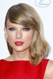 taylor swift hair steal style