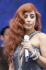 lady gaga hairstyles & hair colors