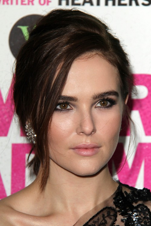 Zoey Deutchs Hairstyles  Hair Colors  Steal Her Style