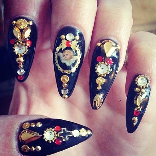 vanessa-hudgens-nails-16