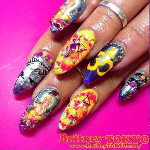 vanessa-hudgens-nails-23