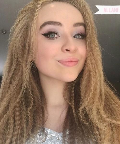 What Is Sabrina Carpenter Natural Hair Color
