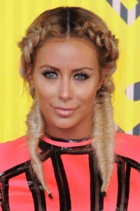 Aubrey ODay's Hairstyles & Hair Colors | Steal Her Style