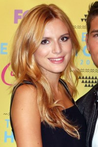 Bella Thorne's Hairstyles & Hair Colors | Steal Her Style ...