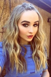 sabrina carpenter's hairstyles