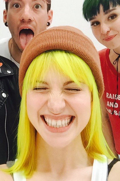 Hayley Williams Straight Yellow Choppy Bangs Uneven Color