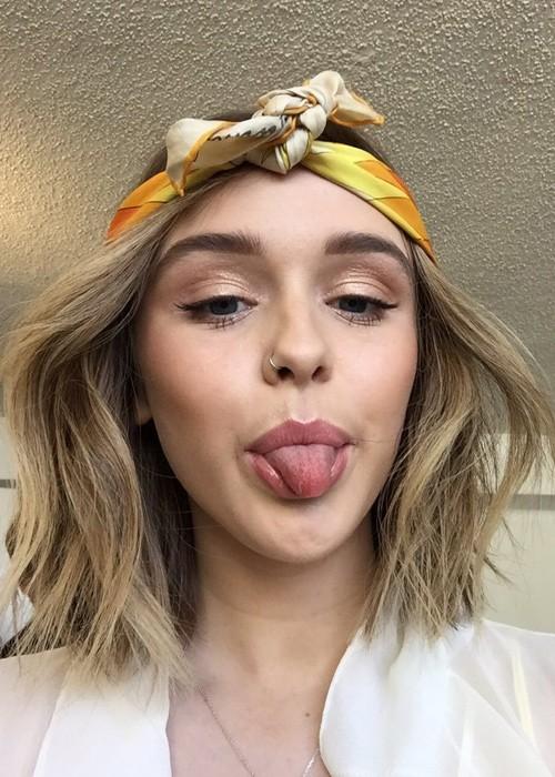 Acacia Brinley Clarks Hairstyles Amp Hair Colors Steal