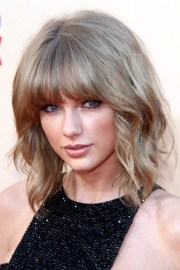 taylor swift wavy light brown -over