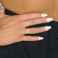 Ariana Grande White Nails | Steal Her Style