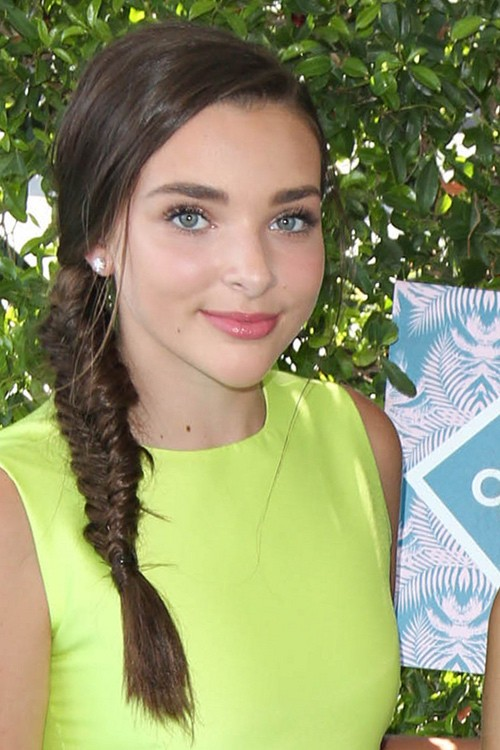 Kendall Vertes Hairstyles Amp Hair Colors Steal Her Style