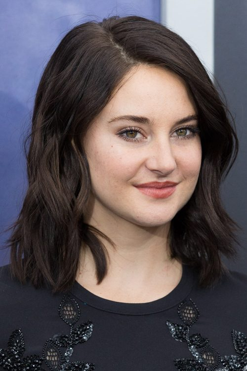 Shailene Woodleys Hairstyles Amp Hair Colors Steal Her Style