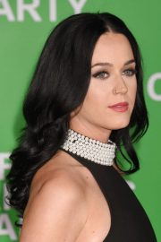katy perry wavy black barrel curls