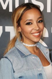 tinashe's hairstyles & hair colors