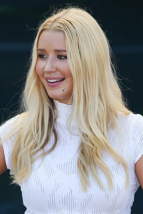 Iggy Azaleas Hairstyles Amp Hair Colors Steal Her Style