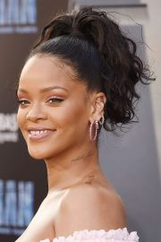 rihanna wavy dark brown high ponytail