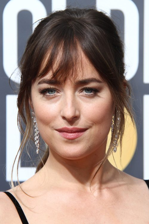 Dakota Johnsons Hairstyles Amp Hair Colors Steal Her Style