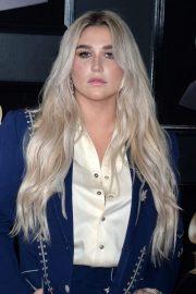 kesha wavy platinum blonde dark