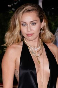 Miley Cyrus Hairstyles & Hair Colors | Steal Her Style