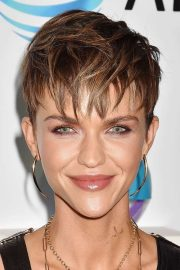 celebrity pixie cut hairstyles