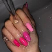kylie jenner fuchsia hot pink