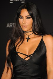 kim kardashian wavy dark brown