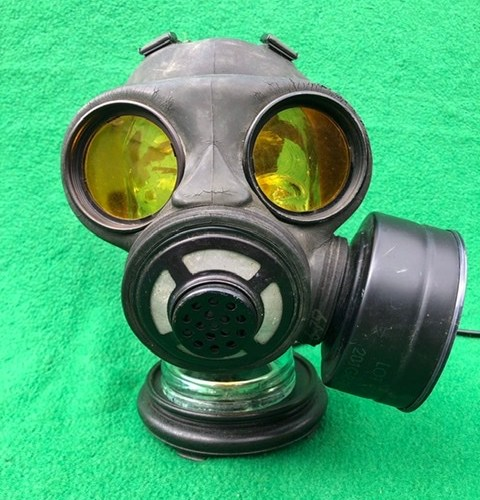 Vintage Steampunk Gas Mask Lamp 1