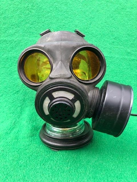 Vintage Steampunk Gas Mask Lamp 1