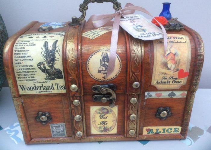 Steampunk inspired Alice in Wonderland jewellery box, trinket box. 1