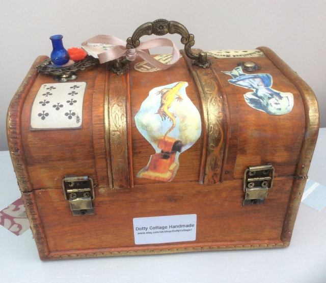 Steampunk inspired Alice in Wonderland jewellery box, trinket box. 5