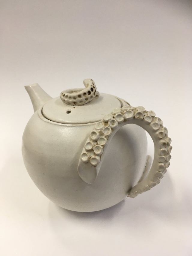 Teapot with creeping octopus and octopus arm handle 3
