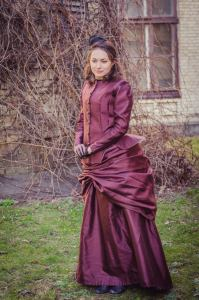 Victorian Era Gown, Bustle Taffeta Dress, Steampunk Costume