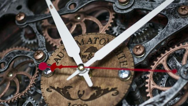 Rustic Steampunk Wall Clock, (with moving gears). Automaton Bite 1682 5r