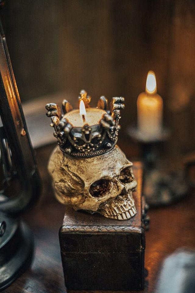 Human Skull candleholder. 1