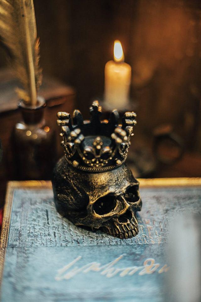 Human Skull candleholder. 2
